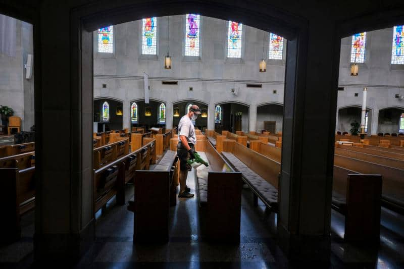 Read more about the article Catholic doctors say churches essential, offer 'road map' to safely reopen