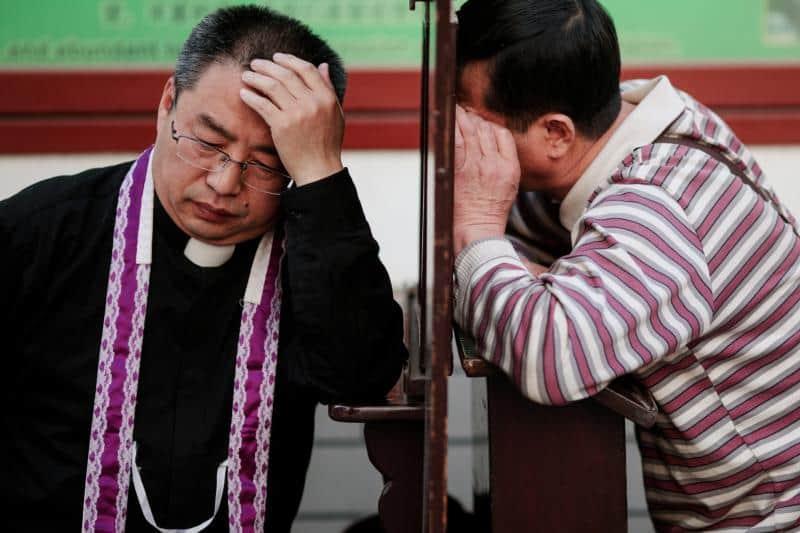 China makes preaching patriotism compulsory to reopen churches
