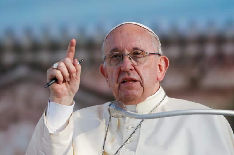 U.S. Catholic media must inspire unity amid division, pope says