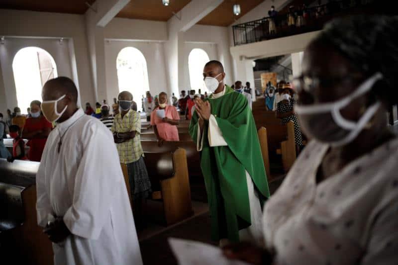 Read more about the article Vaticano presenta documento de instrucción para parroquias