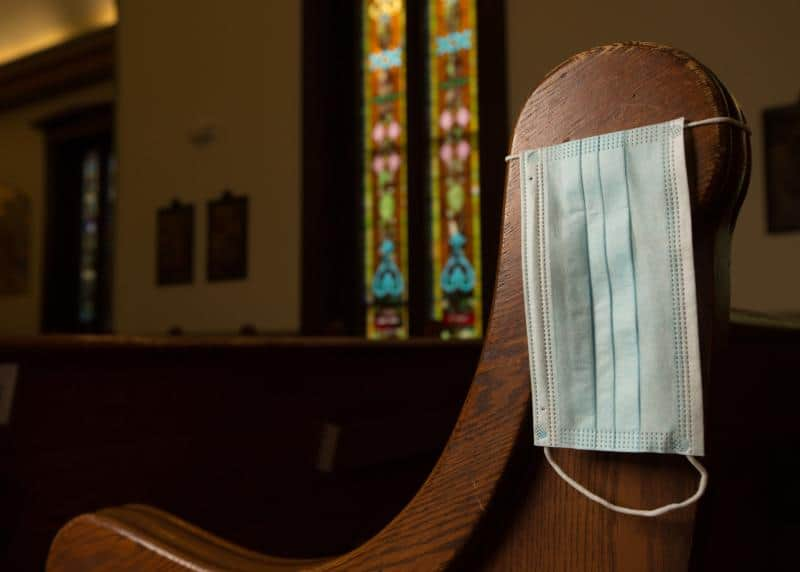 Read more about the article Mask-wearing varies dramatically in parishes across Minnesota archdiocese
