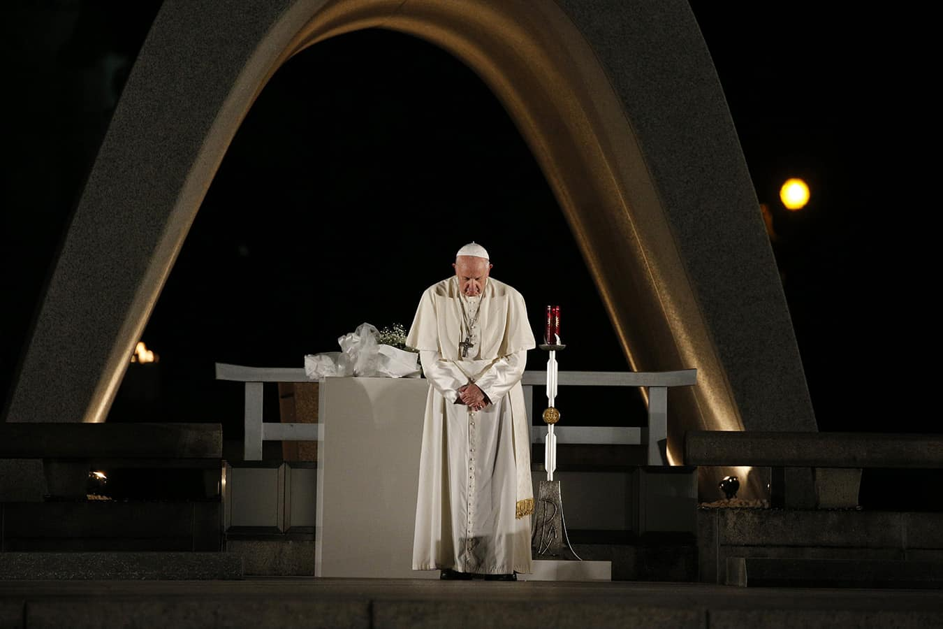 Weapons must be set aside for peace to flourish, pope says