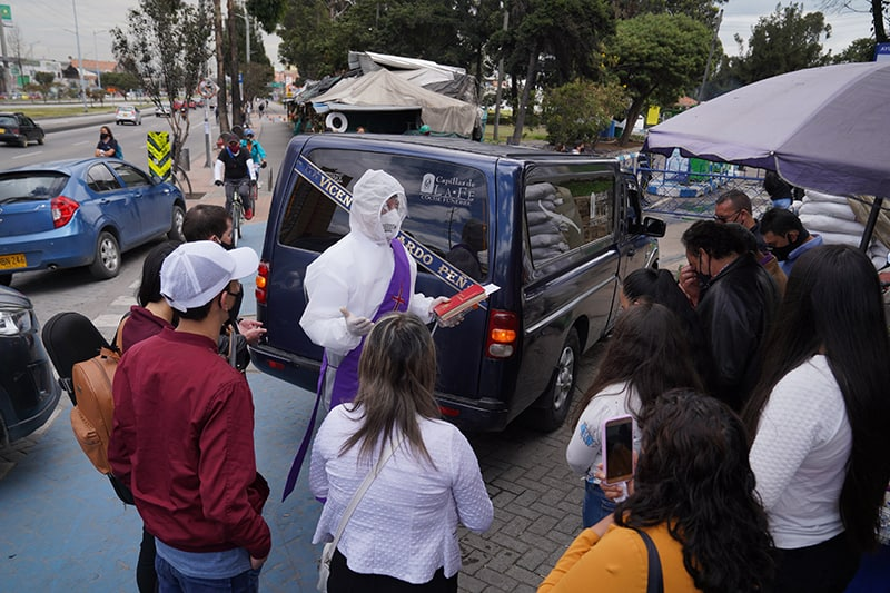Read more about the article 'Traumatic way to say goodbye': roadside funerals in Colombia