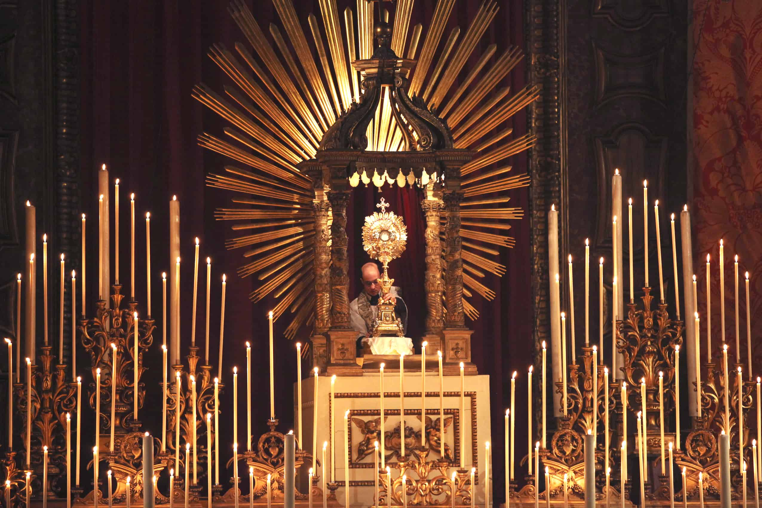 40-hour Adoration to pray for priests is planned for March 12-14