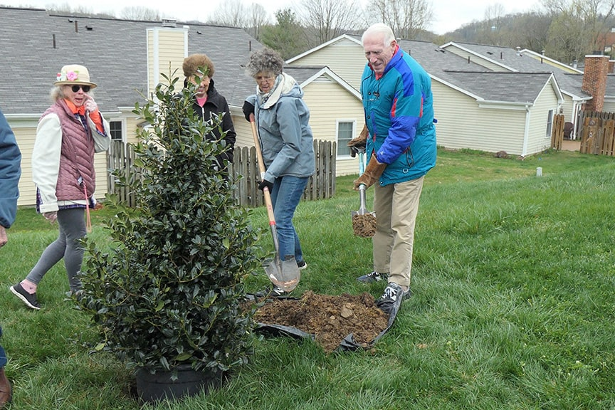 Cloister seniors mark Tennessee Tree Day by planting 100 trees to help re-leaf Nashville