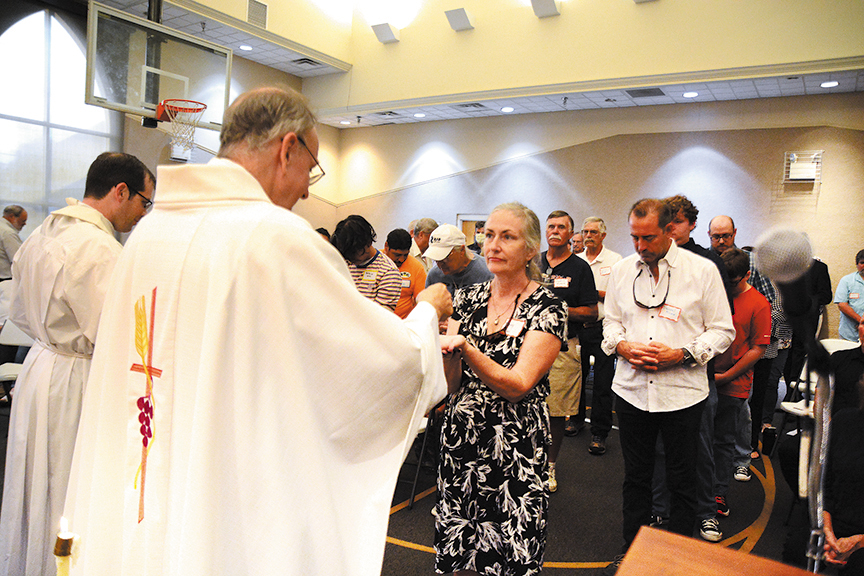 Read more about the article Community begins organizing a new parish in Smith County