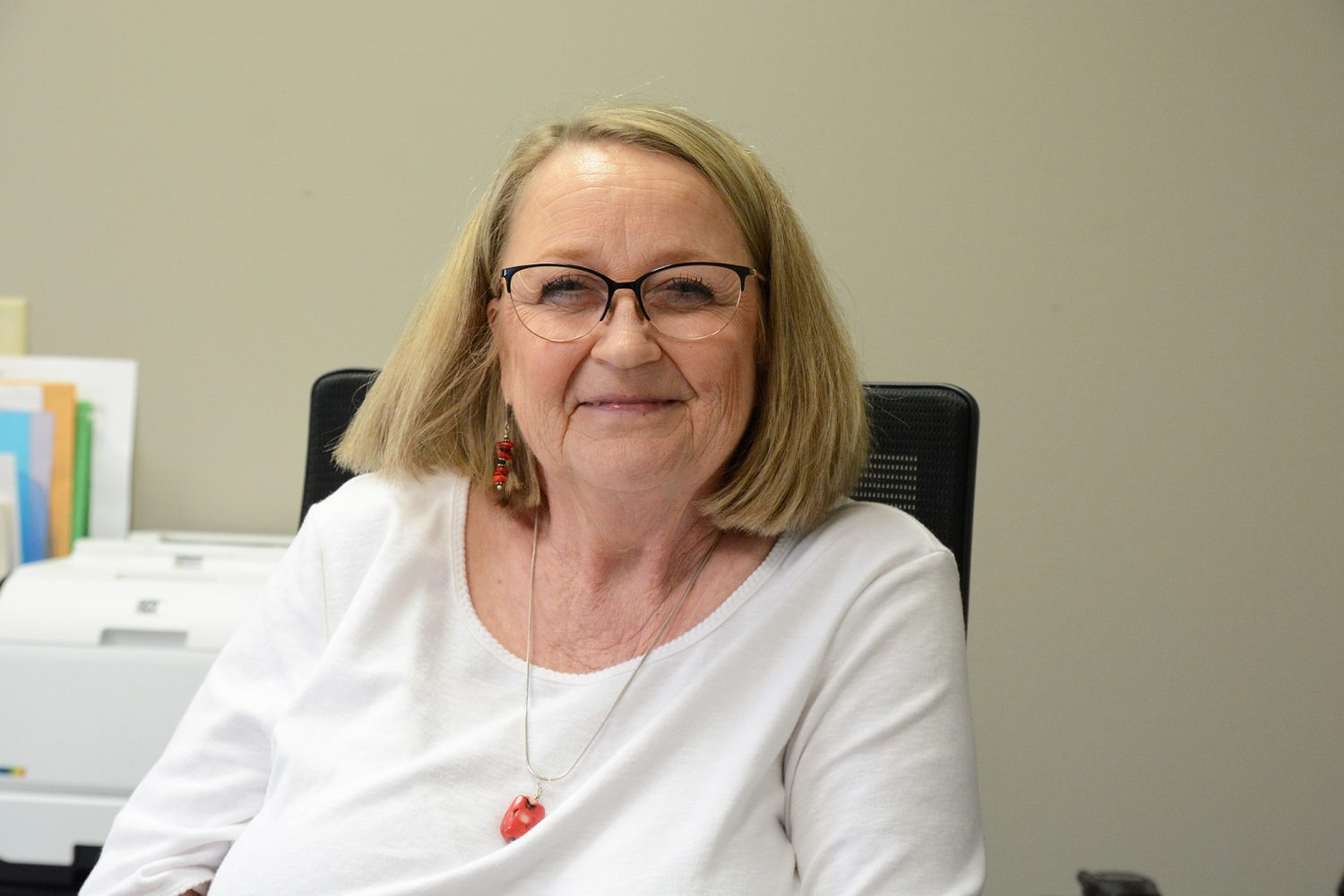 Read more about the article Lopehandia retires after 30 years of helping staff help others