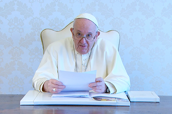 Read more about the article When faith, science work together, people come closer to truth, pope says