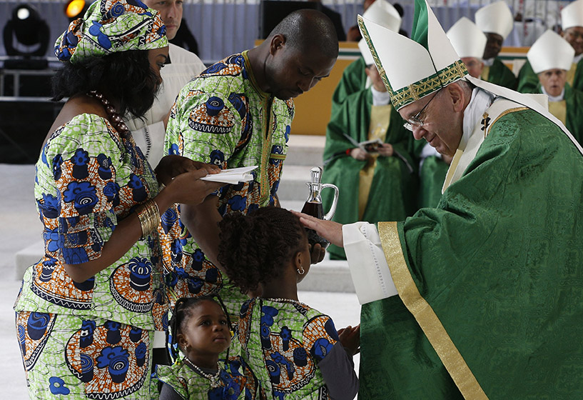 Read more about the article Pope asks for local events coinciding with World Meeting of Families 2022