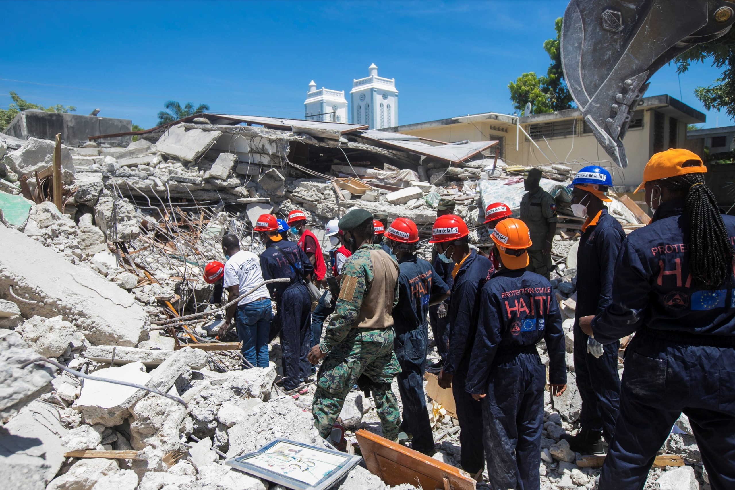 Read more about the article Relief workers: Haiti earthquake complicated by economy, gangs, weather