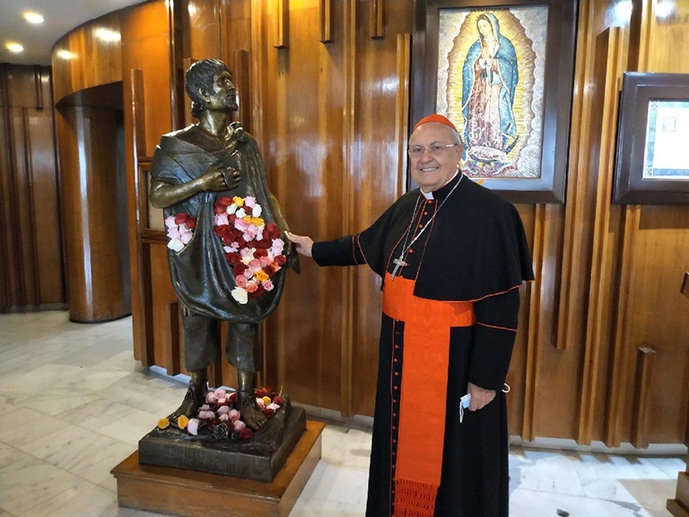 Read more about the article At bicentennial, pope urges Mexicans to focus on present, future